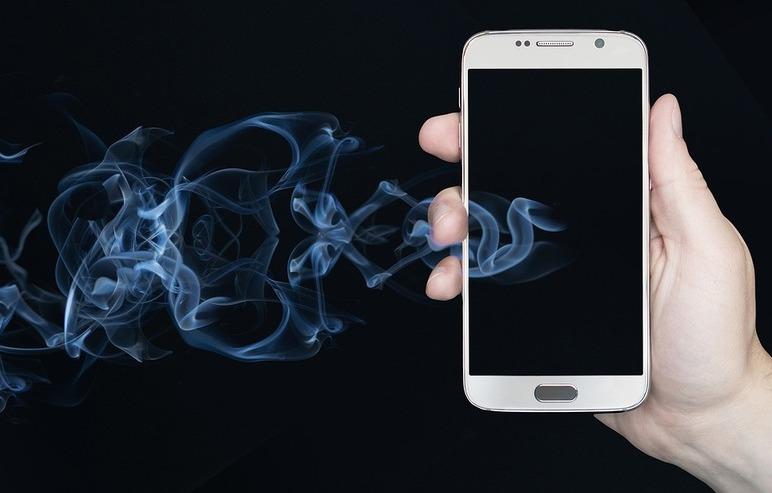 Móvil con humo 1 1