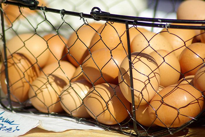alimentos buenos para la vista - cesta huevos